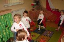 Przedszkolaki z Grądów uczcili Święto Niepodległości -16