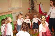 Przedszkolaki z Grądów uczcili Święto Niepodległości -17