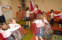 Przedszkolaki z Grądów uczcili Święto Niepodległości -19