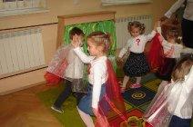 Przedszkolaki z Grądów uczcili Święto Niepodległości -20